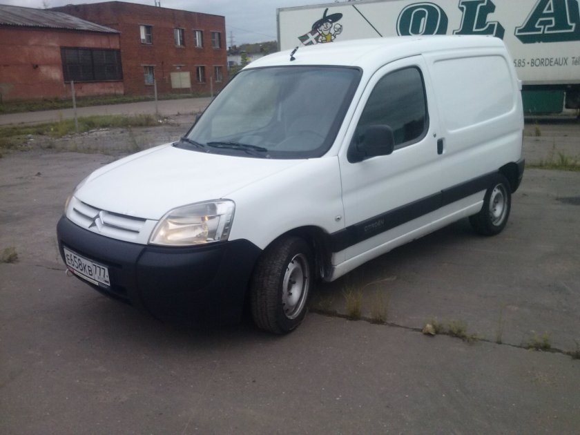 цельнометаллический фургон Citroen Berlingo