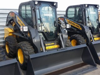 New-Holland L225