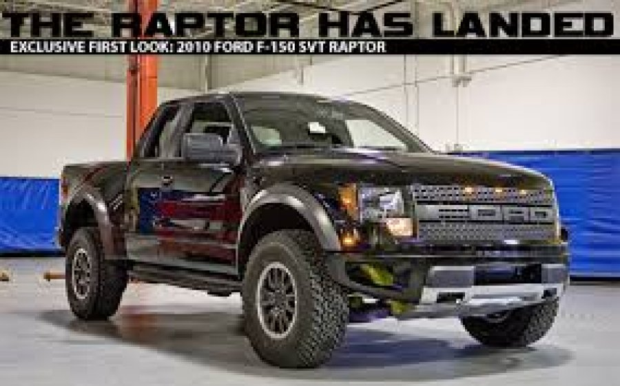 Новый пикап Ford F-150 SVT Raptor  на Автошоу в Нью-Йорке.